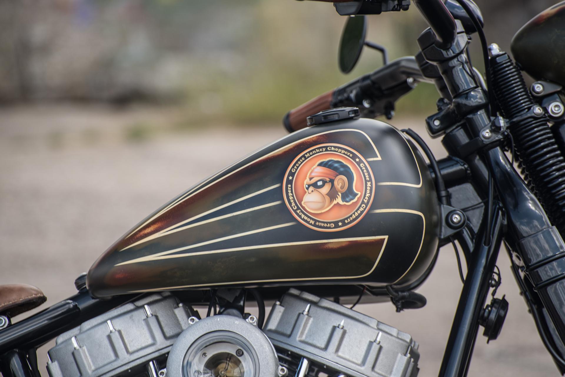 Custom Paint Harley-Davidson Panhead Hardtail van Grease Monkey Choppers